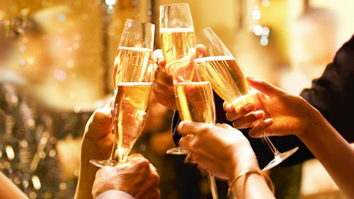 xHyatt-Champagne-Toast-Thumbnail.jpg.pagespeed.ic_.9HvfW6K4qp