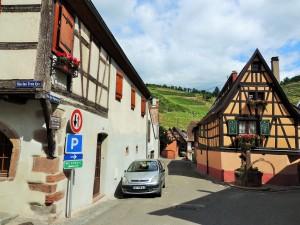 Village Niedermorschwihr no fundo vinhedo Sommerberg GC