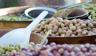 olives-627297_1920